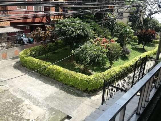 Vendo casa amplia en guayabal