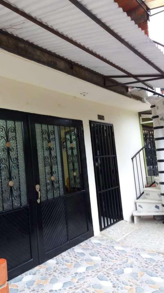 Alquilo casa en villa paulina 1